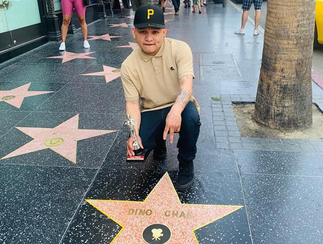 Rapero maya Dino Chan obtiene su estrella en el Paseo de la Fama en Hollywood
