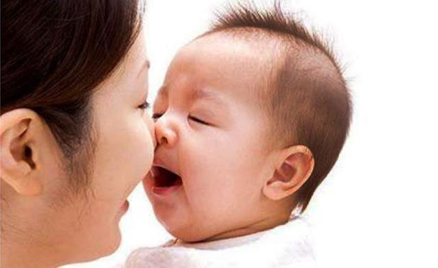 رائحة الفم عند الاطفال السبب والعلاج