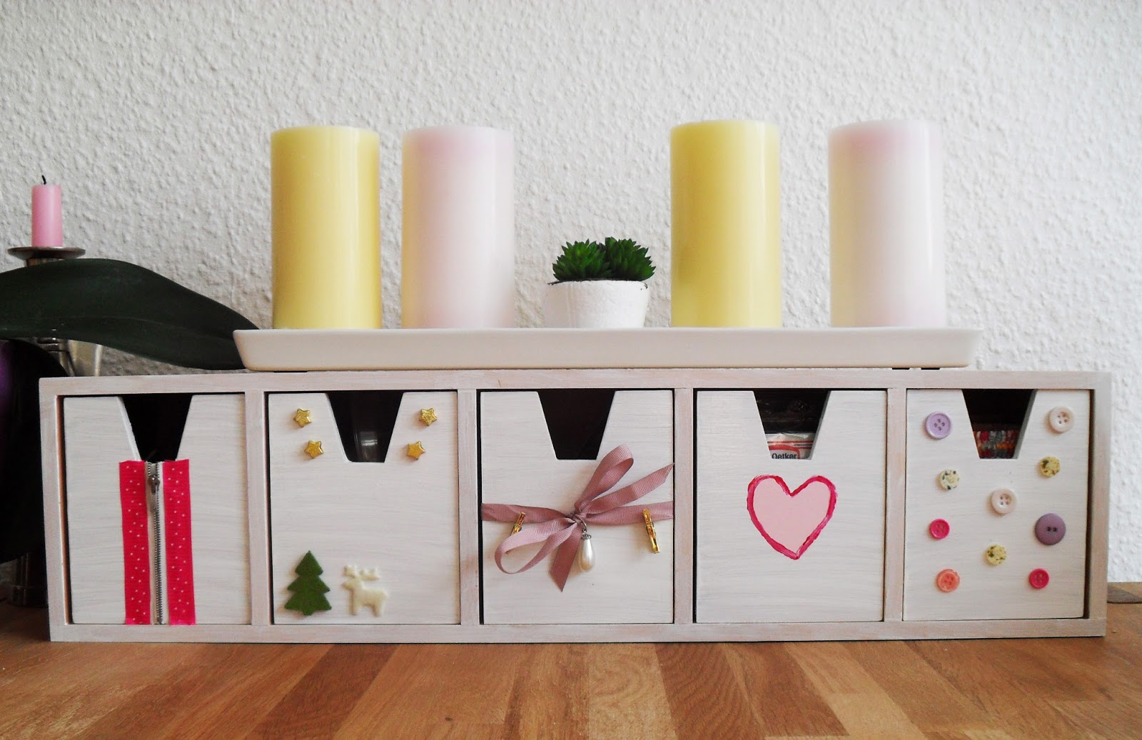 kitty cosmetic diy ikea schr nkchen schnell einfach aufgeh bscht. Black Bedroom Furniture Sets. Home Design Ideas