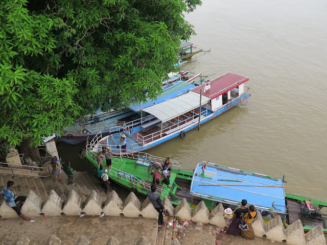 Embarcadero en el río Ayeyarwady