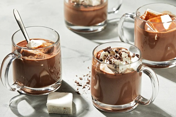 Way hot chocolate with cocoa and Nutella