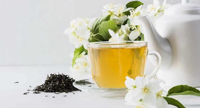 Saude;  confira Mil e uma utilidades e benefícios ao consumir o chá de jasmim no dia a dia.