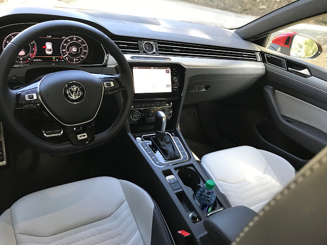 Interior view of 2019 Volkswagen Arteon 2.0T Premium R-Line w/4MOTION interior