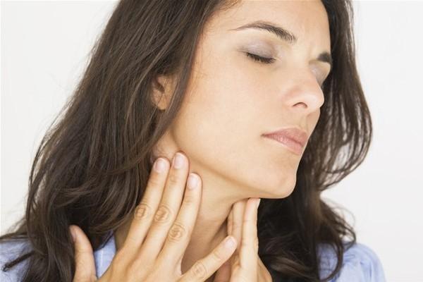 9 Cara Mengobati Radang Tenggorokan Secara Alami dan Cepat