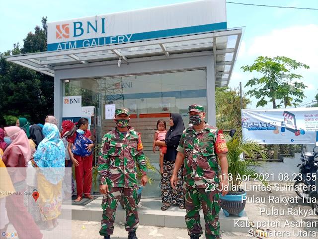 Personel Jajaran Kodim 0208/Asahan Dampingi Penyaluran Bantuan Mikro Agar Tepat Sasaran