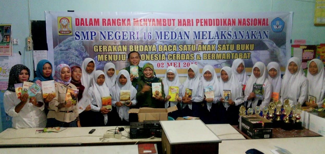 Sambut HARDIKNAS, SMP 16 Medan Budayakan Membaca Buku