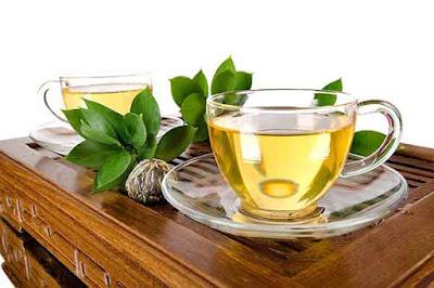 الشاي الاخضر مفيد للتخلص من رائحة الفم الكريهة