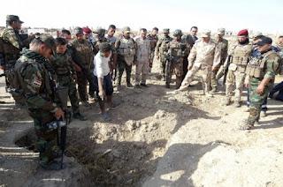 Kembali Ditemukan, Kuburan Massal Ratusan Tentara Rezim Syiah Nushairiyah di Raqqa