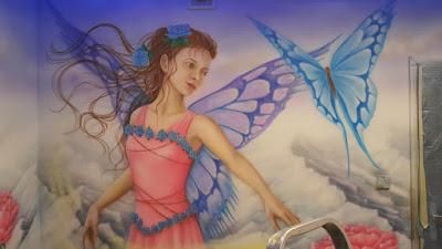 Pokój nastolatki, malowanie pokoju dziewczynki, motyw księżniczki, mural w pokoju dziecięcym, malowanie pokoi dziecięcych