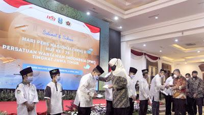 Peringatan HPN 2021, Gubernur Khofifah Berpesan Industri Pers Berjalan Sehat dan Terlindungi