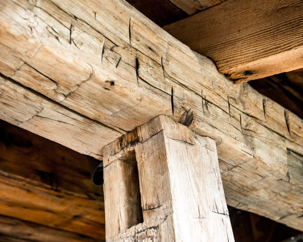 5th And State Hand Hewn Beams