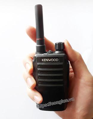 Phân phối bộ đàm cầm tay Kenwood Tk-689 giá rẻ