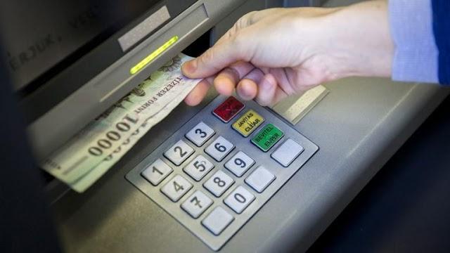 Talált egy bankkártyát, hát megcsapolta