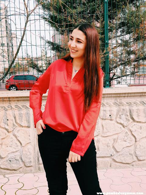 kırmızı zaten gömlek