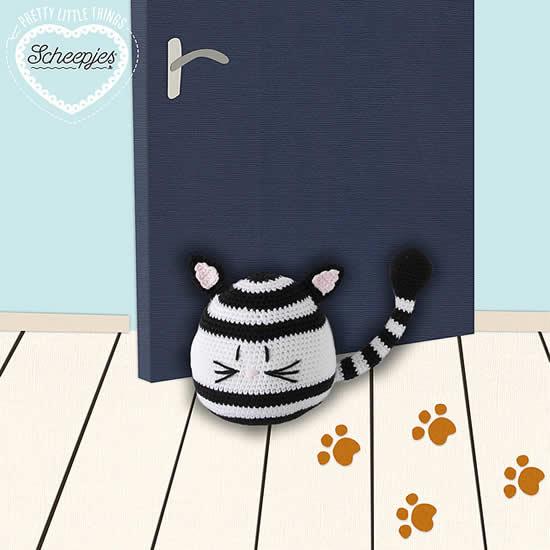 Crochet pattern Cat Doorstop, Pretty little things by Scheepjes | Happy in Red