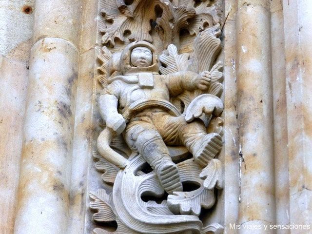 Astronauta en la Catedral de Salamanca