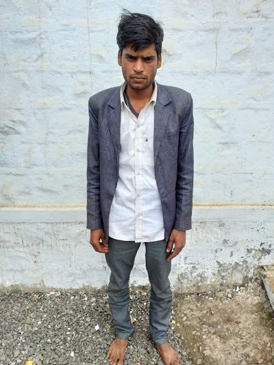चोरी का मोबाइल चलाते हुए एक आरोपी को दबोचा | Badarwas News