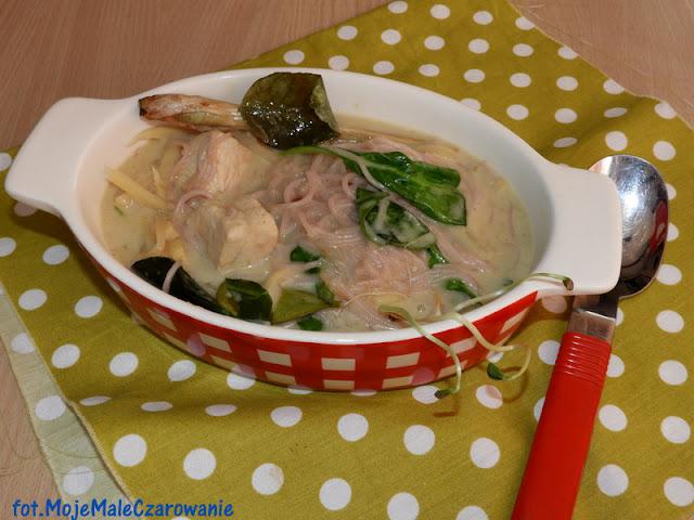 Zupa - zielone curry z kurczakiem - CZYTAJ DALEJ