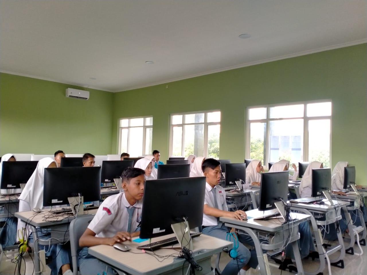 11 Panduan Guru Untuk Menggunakan Teknologi di Ruang Kelas