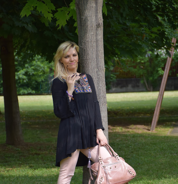 outfit nero come abbinare il nero outfit abito nero vestito nero black outfit black dress how to wear black mariafelicia magno fashion blogger color block by felym fashion blog italiani fashion blogger italiane blog di moda outfit maggio outfit primaverili casual