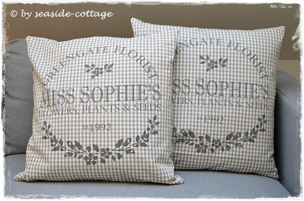 seaside cottage green gate kissen. Black Bedroom Furniture Sets. Home Design Ideas
