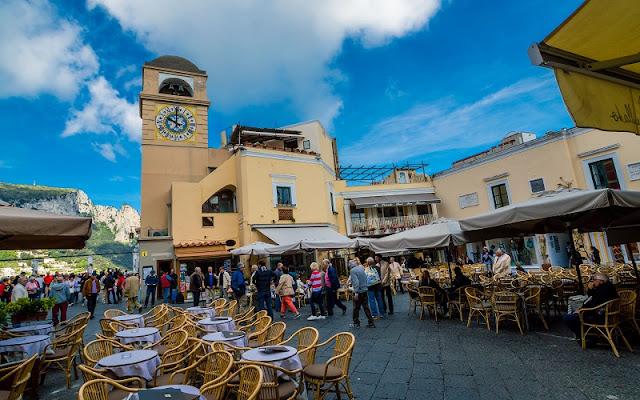 Piazza Umberto I na Ilha de Capri