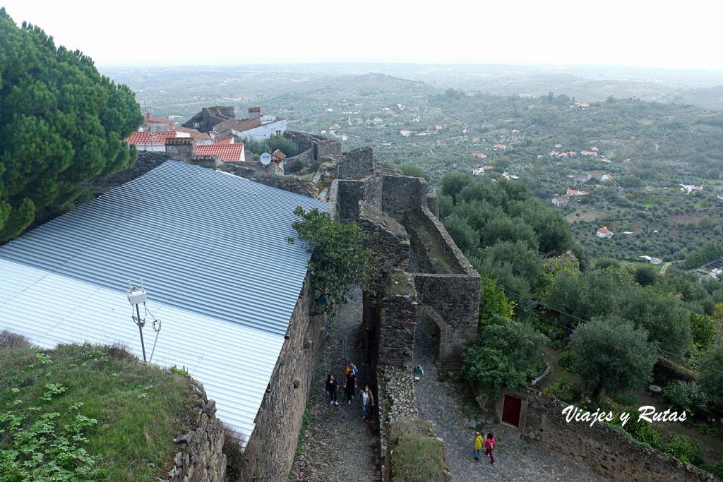 Subida al Castillo de Castelo de Vide