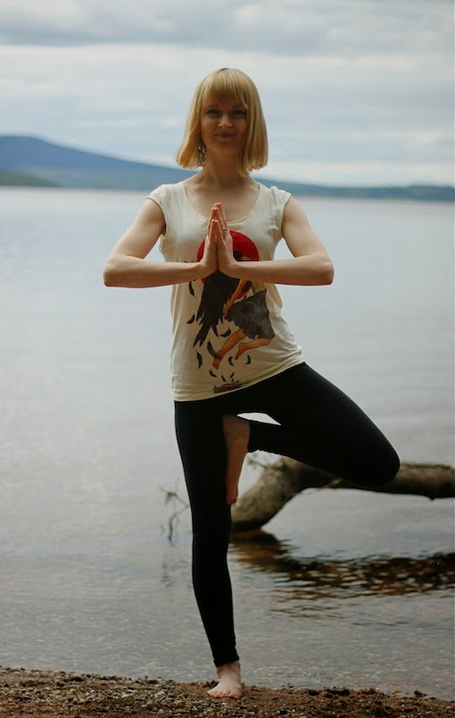 Melissa Corazon doing yoga at Loch Lomond