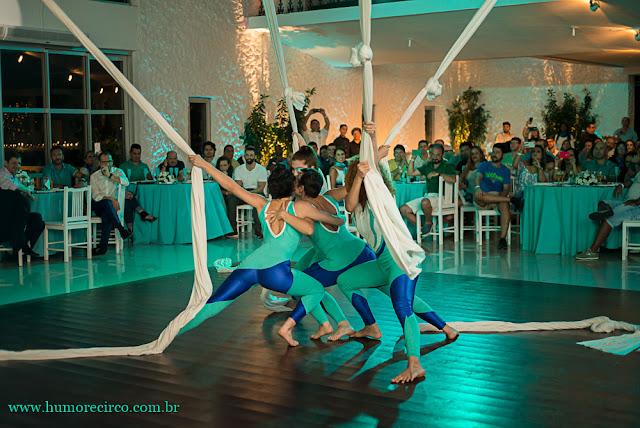 Performance circense Tecido Acrobatico para evento lançamento de produto da marca Servier do Brasil, Costa Brava Clube RJ.
