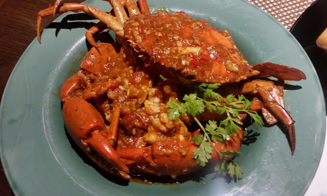King Crab cooked in Singaporean Chilli Garlic Sauce