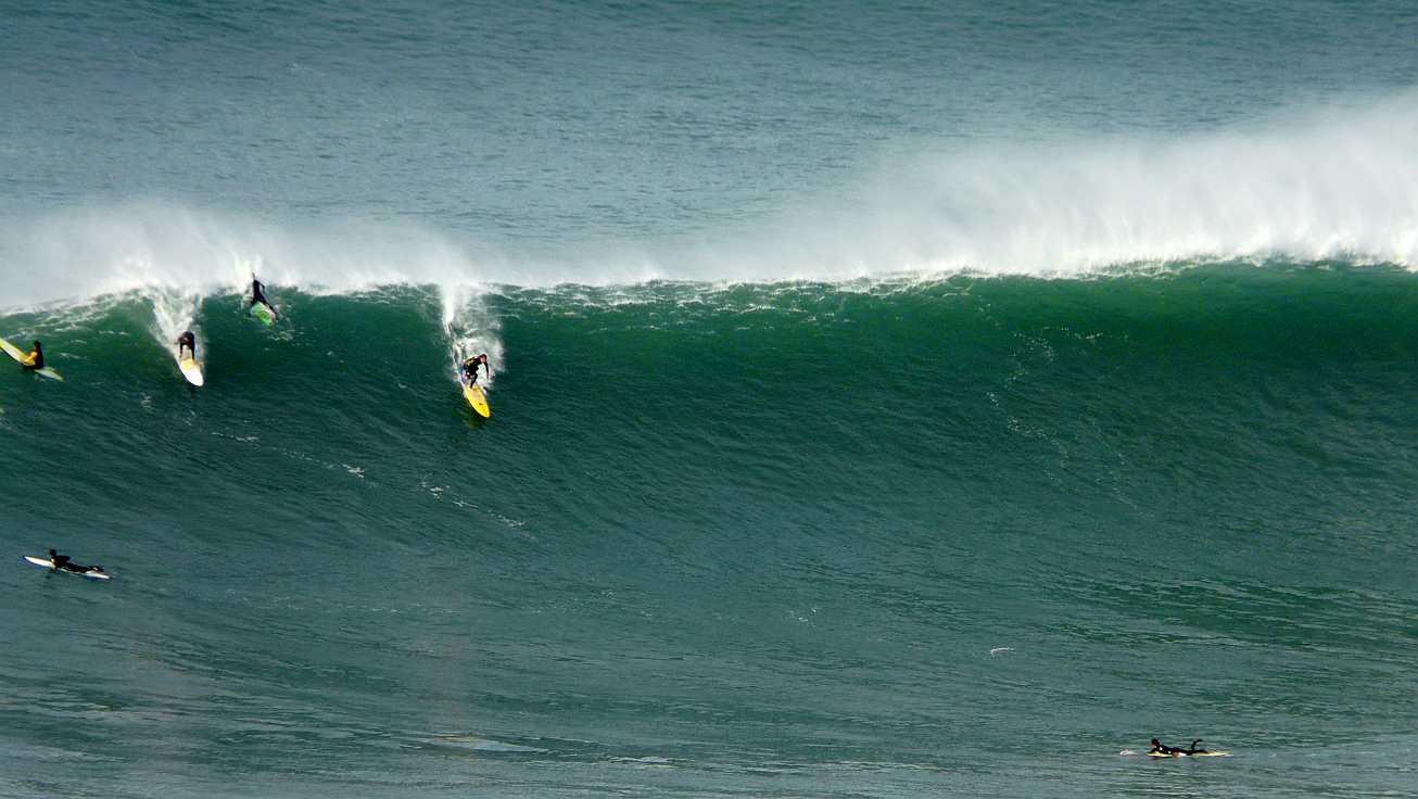 surf menakoz diciembre 2015 olas grandes 10