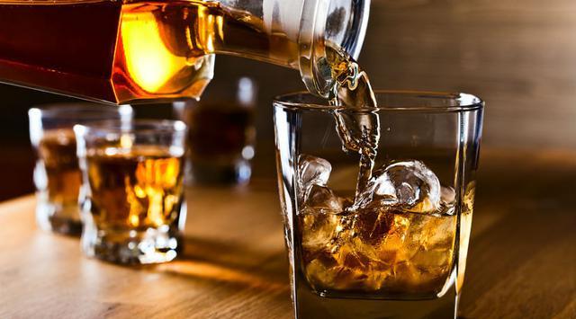 Air Keran Sejumlah Rumah di India Tiba-tiba Berubah Jadi Alkohol, naviri.org, Naviri Magazine, naviri