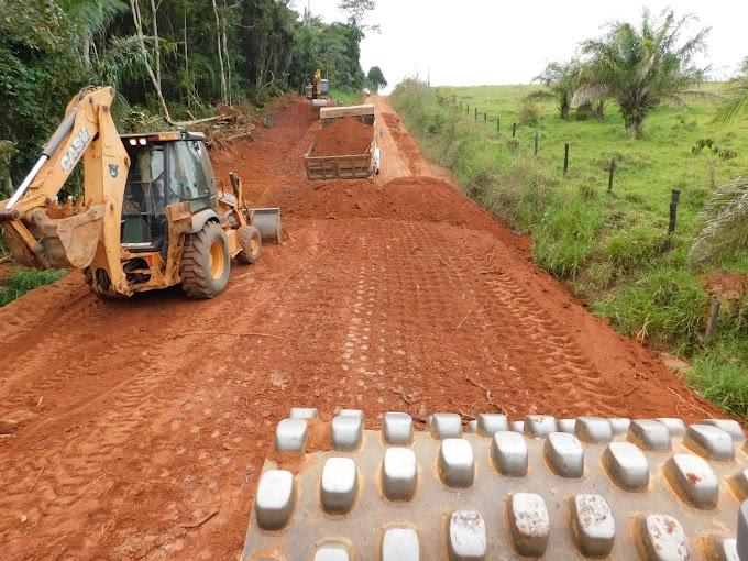 Município de Alta Floresta continua com as Obras de rebaixamento de morros na linha 40.