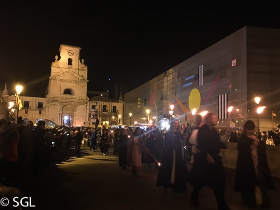 Desfile nocturno en el fin de semana cidiano. Burgos