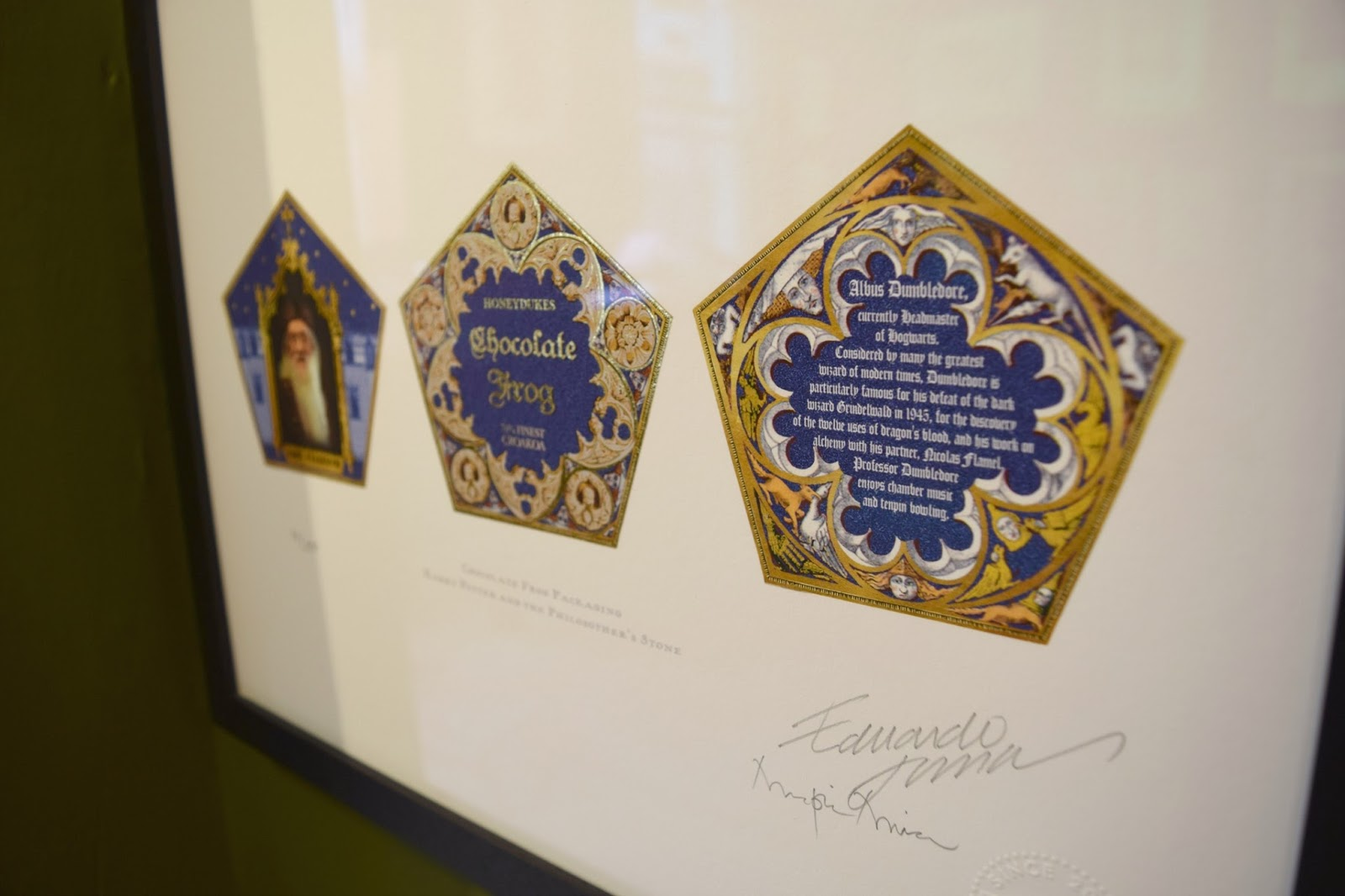 chocolate frog card and packaging designed by MinaLima for the Harry Potter films