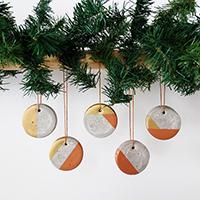 http://www.ohohdeco.com/2015/12/concrete-ornament.html