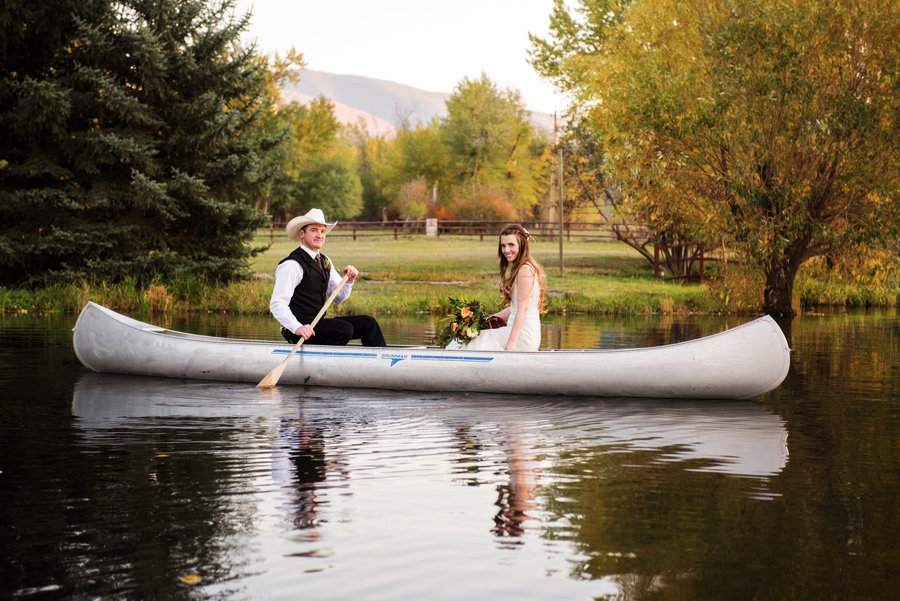 Montana Bride + Groom / Canoe / Cali Frankovic Photography