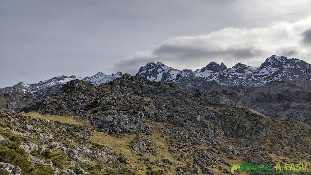 Llegando al Alto los Gurbiñales, Picos de Europa