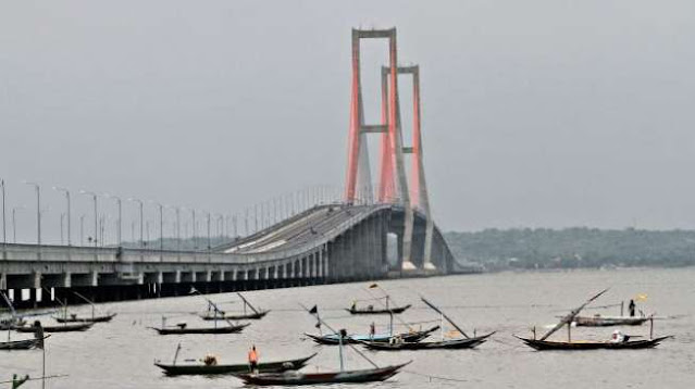 Viral Diduga Bunuh Diri di Jembatan Suramadu, Isi Surat Wasiat Korban Bikin Terenyuh