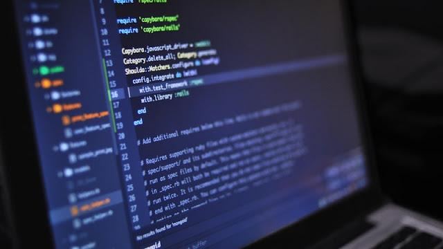 حل المشاكل عن طريق كتابة الأكواد البرمجية