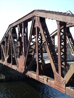 Antiguo puente ferroviario en la SW 288th St/Biscayne Dr