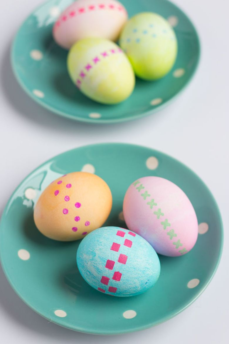 Easter egg decorating ideas - Stenciled Easter Eggs