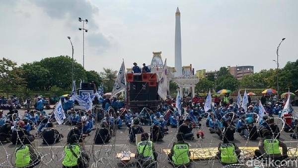 Pedemo Omnibus Law Mulai Padati Kantor Gubernur Jatim