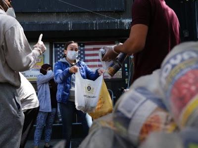Classe media addio, la pandemia abbatte i redditi della popolazione mondiale