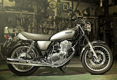 2016 Yamaha SR400 First Look Hd Picture