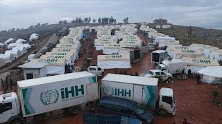 """""""الإغاثة التركية"""" توزع 14 طنا من المساعدات على أسر سورية نازحة"""