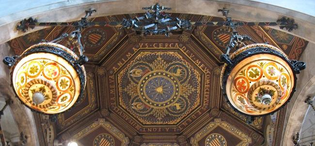 Interior de l'església de Santa Maria