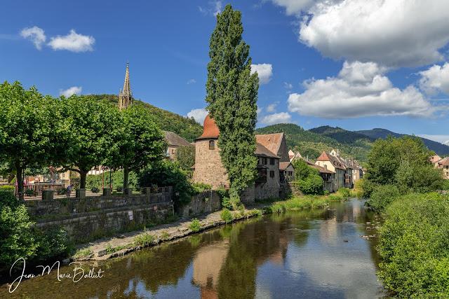 Tour des sorcières et la rivière de la Thur