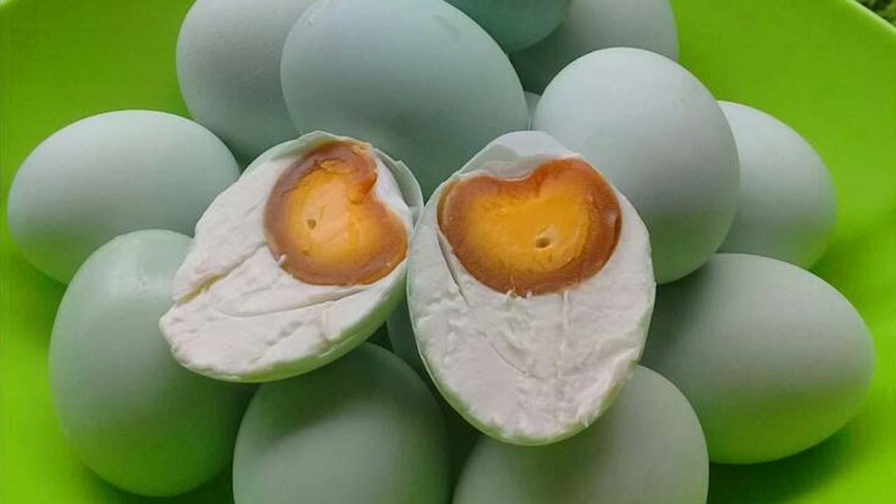 Cara Membuat Telur Asin Masir Dengan Batu Bata