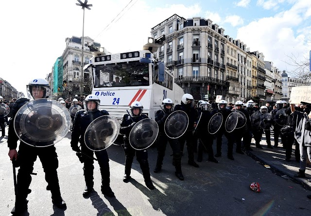May be Brussels Police have used excessive force on Thursday against anti-lockdown  camp partecipers ?